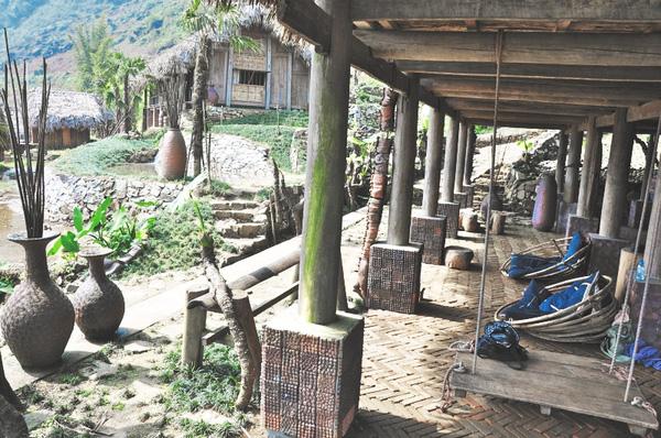Hmong Mountain Retreat - Km 6 - Bản Hồ - TT. Sapa